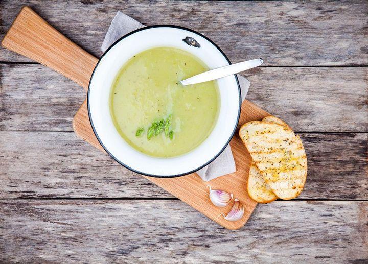 Rezept für eine herbstliche Brokkoli-Cremesuppe.
