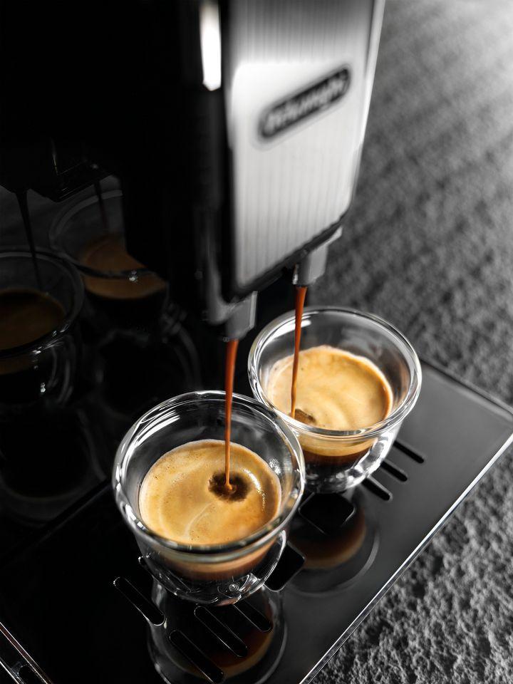 """Der Kaffeevollautomat """"Maestosa"""" von De'Longhi."""