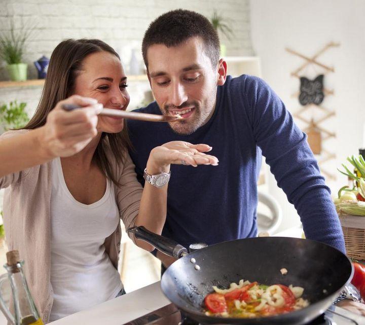 Kochen im Wok.