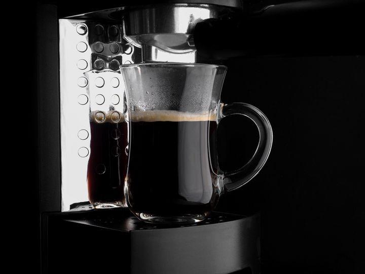 Eine moderne Kaffeemaschine besitzt oft eine Selbstreinigungsfunktion.