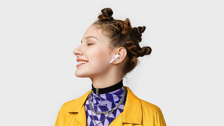 Die Kopfhörer funktionieren kabellos.