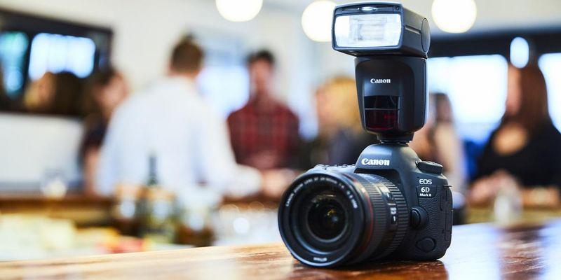 Intelligenter Blitzen mit dem Canon Speedlite 470EX-AI.