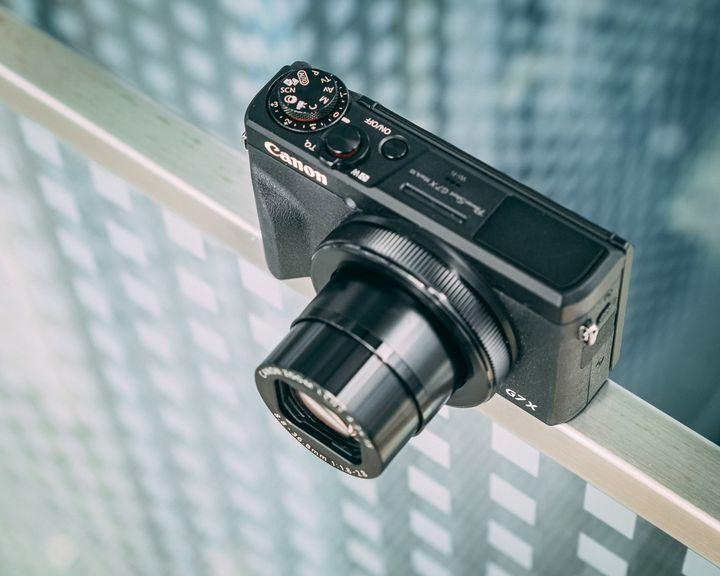 Im Serienbildmodus werden mit der Canon PowerShot G7 X Mark III bis zu 20 Bilder pro Sekunde geschossen.