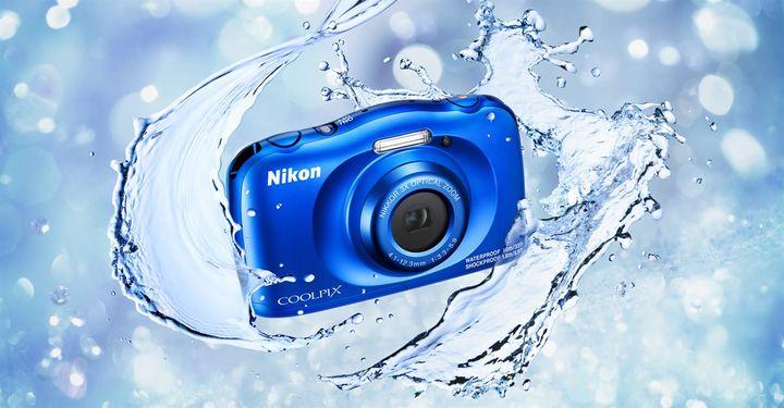 Mit der SnapBridge-App werden Bilder zwischen Nikon Coolpix W150 und smarten Geräten geteilt.