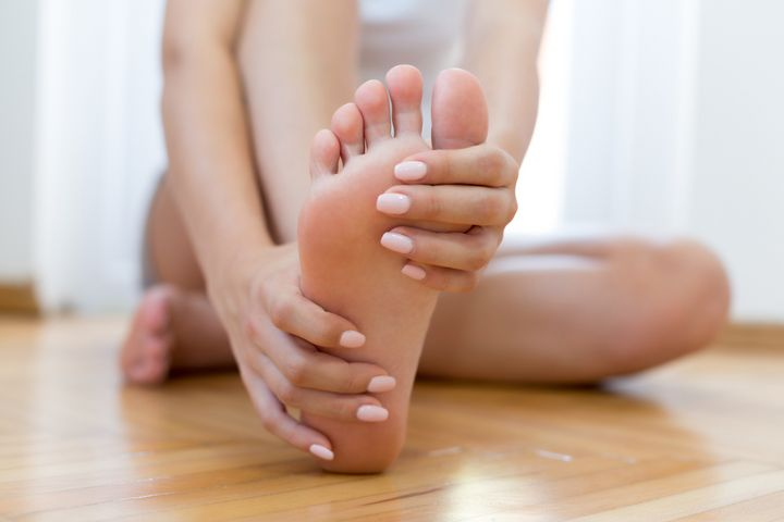 Füße eincremen