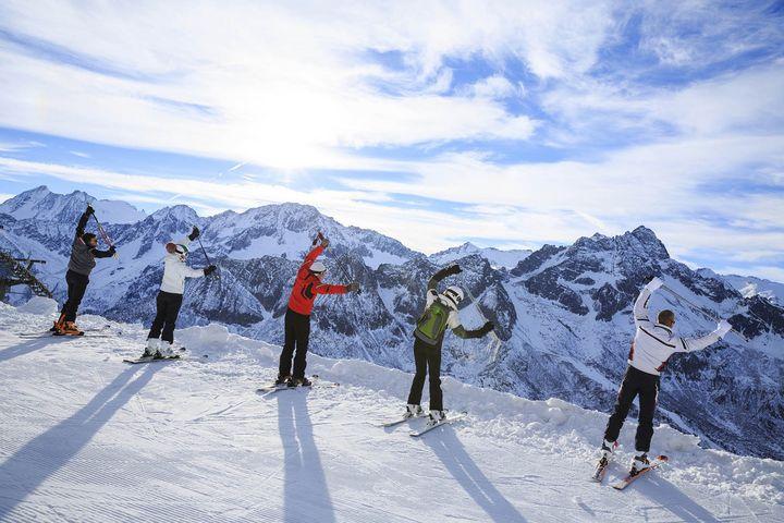 Am Ski-Tag selbst nicht auf das Aufwärmen vergessen.