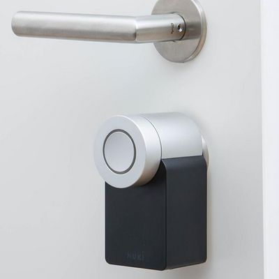 Das Nuki Smart Lock im Portrait.