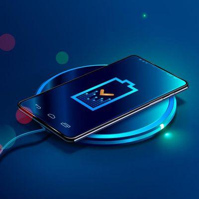 Smartphones können mit Qi kabellos aufgeladen werden.