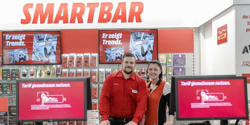 """Bei den """"Smartbars"""" in Ihrem MediaMarkt wird Hilfe angeboten."""