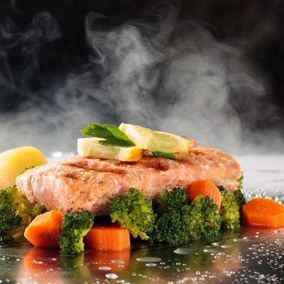 Dampfgaren ist eine schonende und gesunde Zubereitungsart von Speisen.