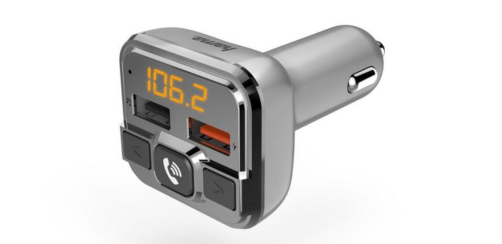 Mit dem FM-Transmitter von Hama können Playlists vom Smartphone auf das Autoradio übertragen werden.