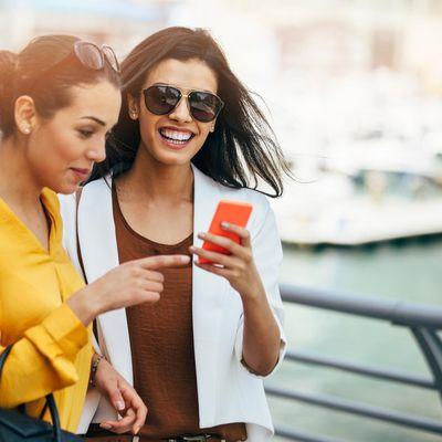 Entdecken Sie angesagte Mode-Trends: Mit diesem fünf YouTube-Videos zum Thema Fashion.