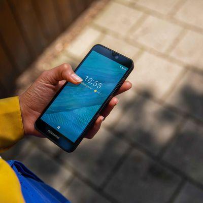 """MediaMarkt bietet ab sofort das """"Fairphone"""" an."""