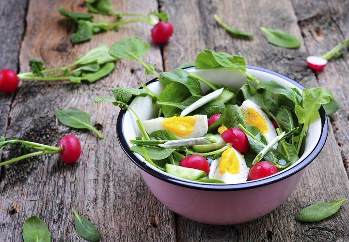 Bärlauch im Salat.