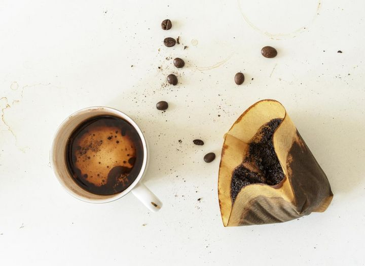 Bei Filterkaffee beträgt die Kontaktzeit mit dem Kaffeemehl bis zu sechs Minuten.