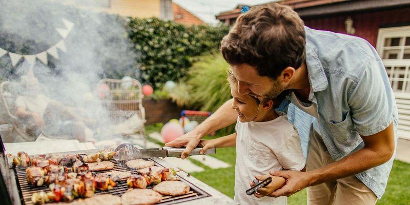 Mit diesen Grill-Gadgets gingt die nächste Barbecue-Party garantiert.