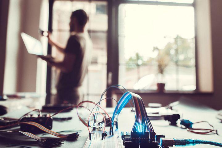 Die Kommunikation im Smart Home funktioniert kabel- aber nicht immer problemlos.