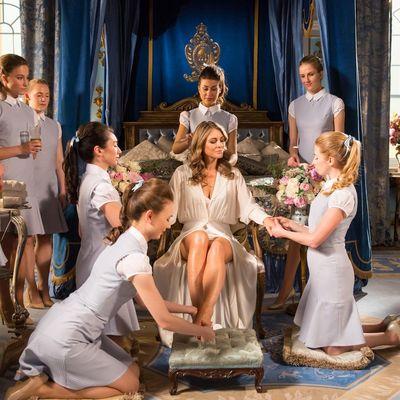 """Neue königliche Intrigen in der dritten Staffel von """"The Royals""""!"""