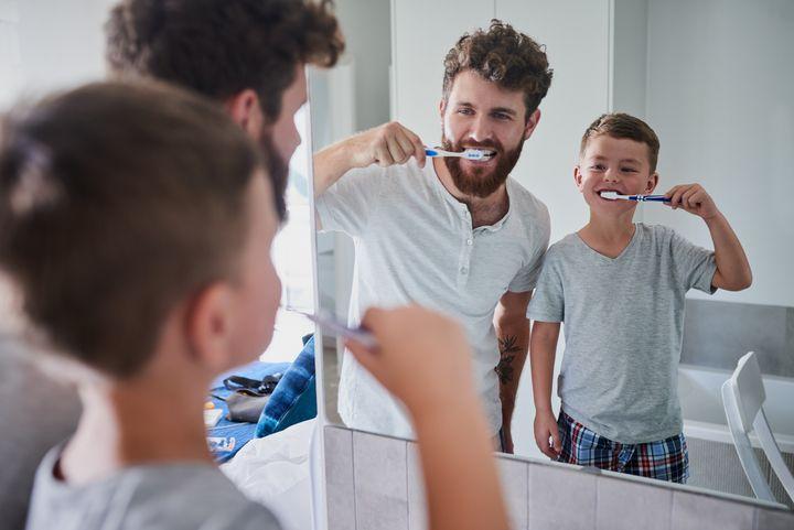 Lassen Sie die Kleinen selbst putzen.