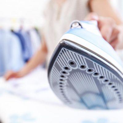 Mit den richtigen Bügel-Tipps macht das Glätten von Wäsche Spaß.