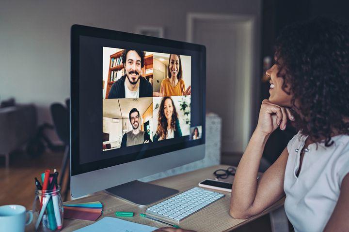 Eine Webcam gehört zu jeder Videokonferenz.
