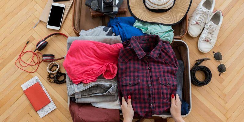 """Gepflegte Kleidung """"on the go"""": Kofferpacken will gelernt sein."""