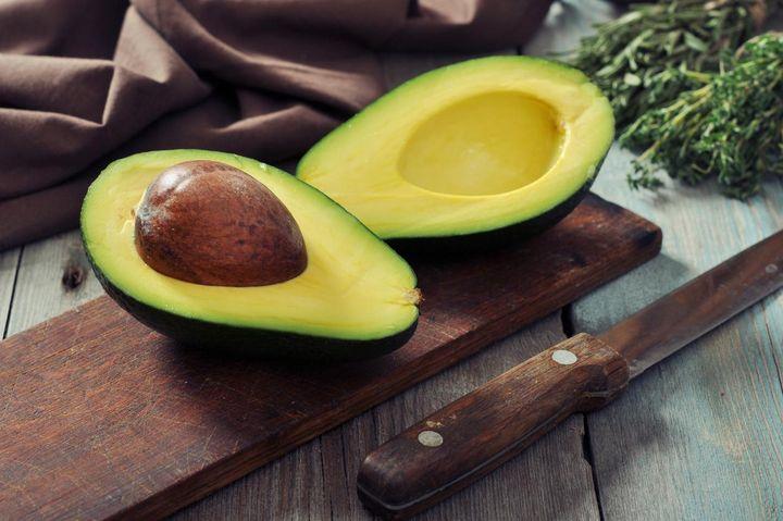 Avocados enthalten ungesättigte Fettsäuren.