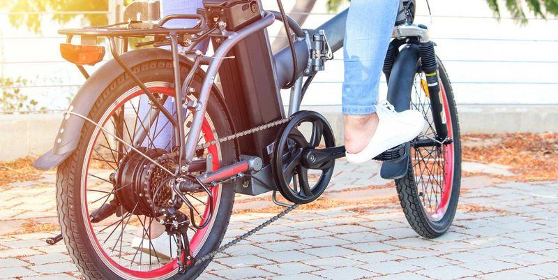 Mit dem E-Bike in den Sommer.