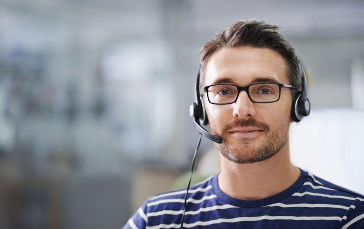 Ein Headset erhöht die Audioqualität.