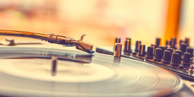 Die wichtigsten Grundlagen für den Einstieg ins Thema Vinyl.