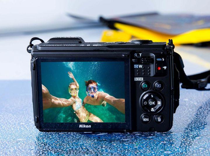 Der integrierte Belichtungs-Messwertspeicher sorgt dafür, dass die Unterwasser-Videos in 4K- bzw. UHD 30p-Qualität auch optimal belichtet sind.