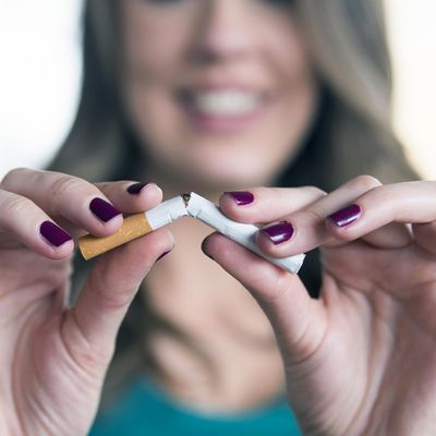 Rauchfrei-Apps, die durch Push-Mitteilungen motivieren und Tipps geben.