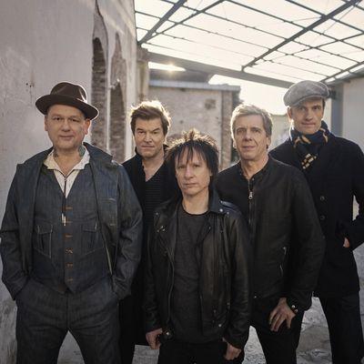 """Die Toten Hosen kehren mit neuer Single """"Unter den Wolken"""" zurück."""