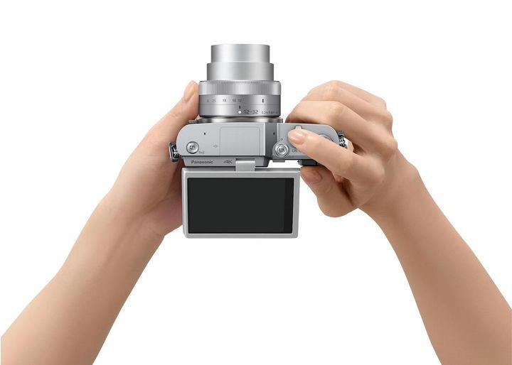 Kompakte LUMIX GX800 mit Selfie-Monitor