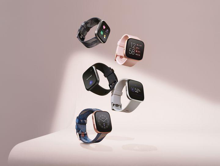 """Die Fitbit """"Versa 2"""" Smartwatch."""