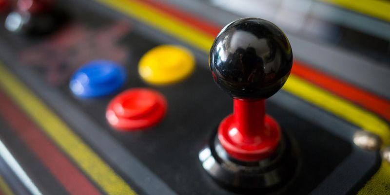 Gehen Sie mit uns einen Schritt zurück, in der Entwicklung der Spielkonsolen.