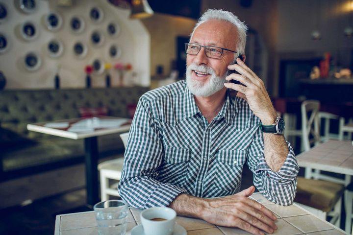 """""""Mach-dein-Smatphone-einfach"""" reduziert die Komplexität des smarten Handys."""