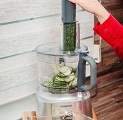 """Gurkensalat mit dem Kenwood """"MultiPro Express"""" zubereiten."""