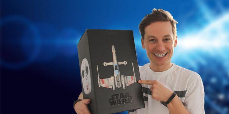 """Der Ausprobierer testet die Drohne """"Star Wars T-65 X-Wing Starfighter"""" von Propel."""