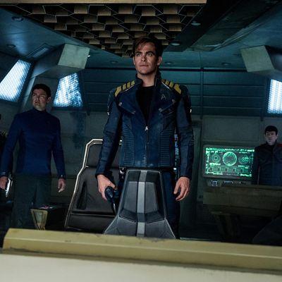 Für fünf Jahre begibt sich die Crew der Enterprise auf eine Forschungsmission.