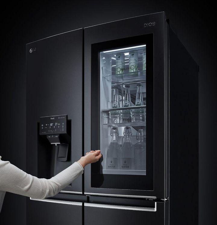 """Die neuen """"InstaView""""-Kühlschränke sind als Door-in-Door- oder French-Door-Modelle erhältlich."""