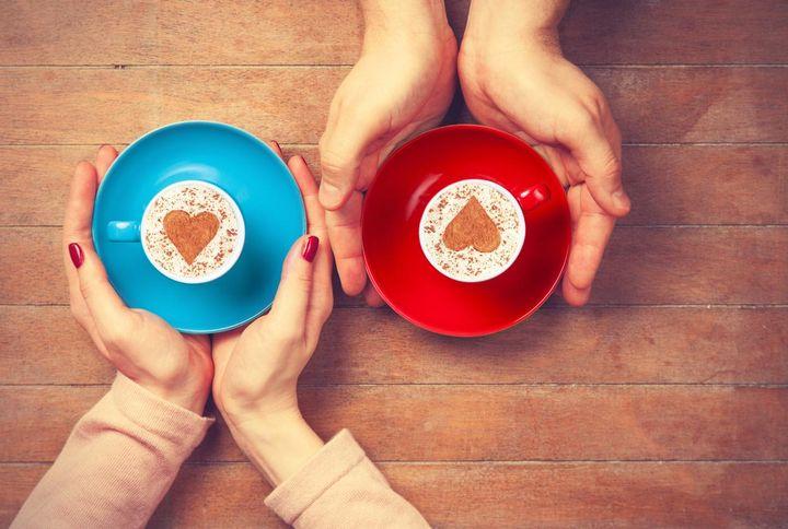 Kaffee am besten ohne Schlagobers, Zucker oder Sirup genießen.
