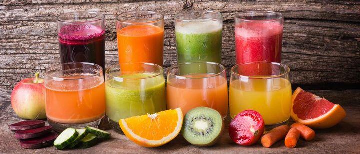 Zimt und Ingwer wärmen von innen und geben frischen Früchten aus dem Slow Juicer den besonderen Kick.