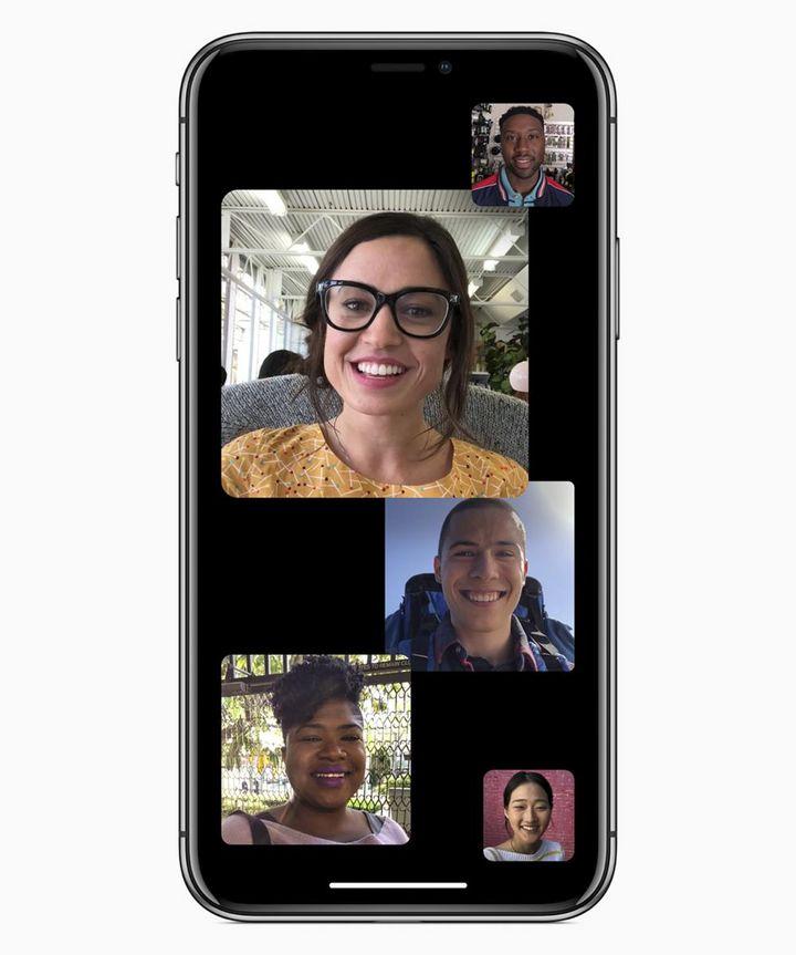 Facetime erhält zudem einen Gruppen–Feature, das Videokonferenzen mit bis zu 32 Teilnehmern ermöglicht.