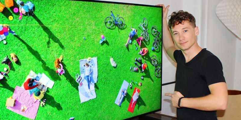 """Der Ausprobierer testet den """"Q900R"""" QLED-8K-TV von Samsung."""