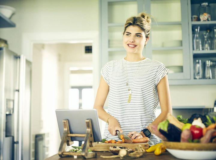 Algorithmen und Nutzergewohnheiten machen die smarte Küche zum selbstlernenden System.