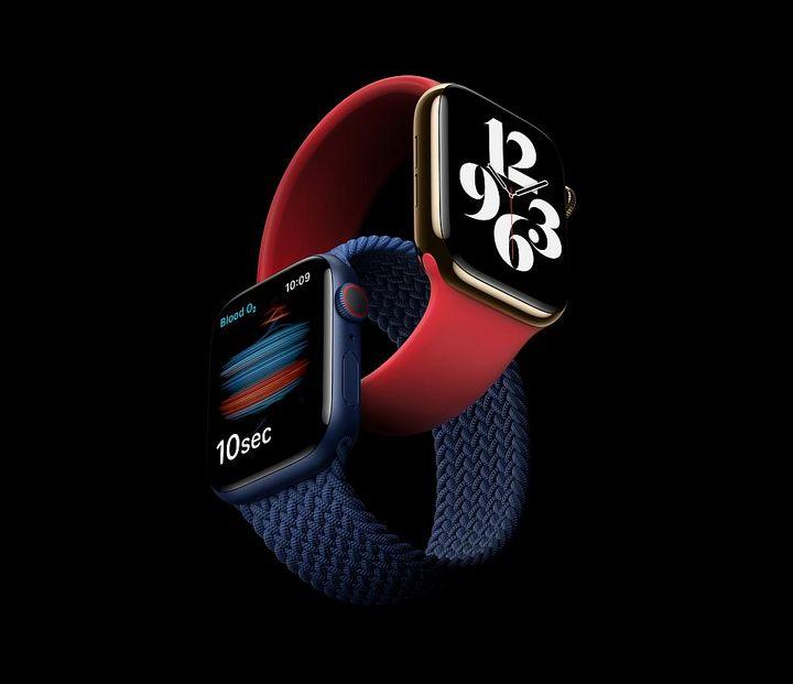 """""""Apple Watch Series 6"""" in den Farben Rot und Blau."""