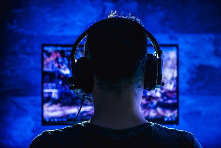 Ein Headset ist für den Stream wichtig