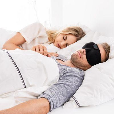 Schnarchmaske, EMS-Durchblutungsstimulator, Achillessehne-Massagegerät und chemiefreier Läusekamm sind die neuen Beurer-Innovationen.