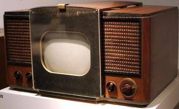 Elektrischer Fernseher